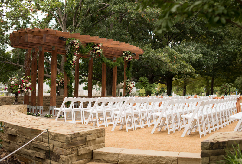 LARGE VENUES_Featured