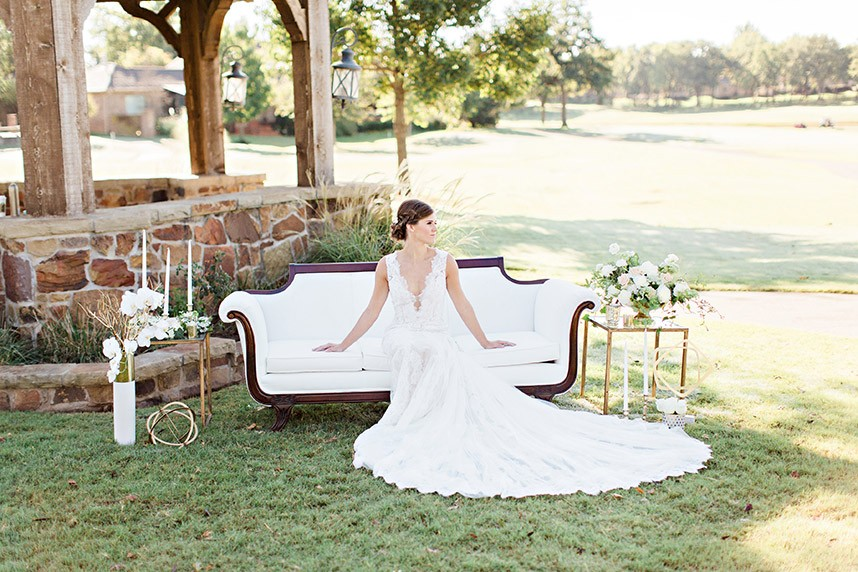 Love Scene Elegant Outdoor Lounge Inspiration Oklahoma Wedding Planner Embellished Weddings Oklahoma Wedding Photographer Kristen Edwards Photography