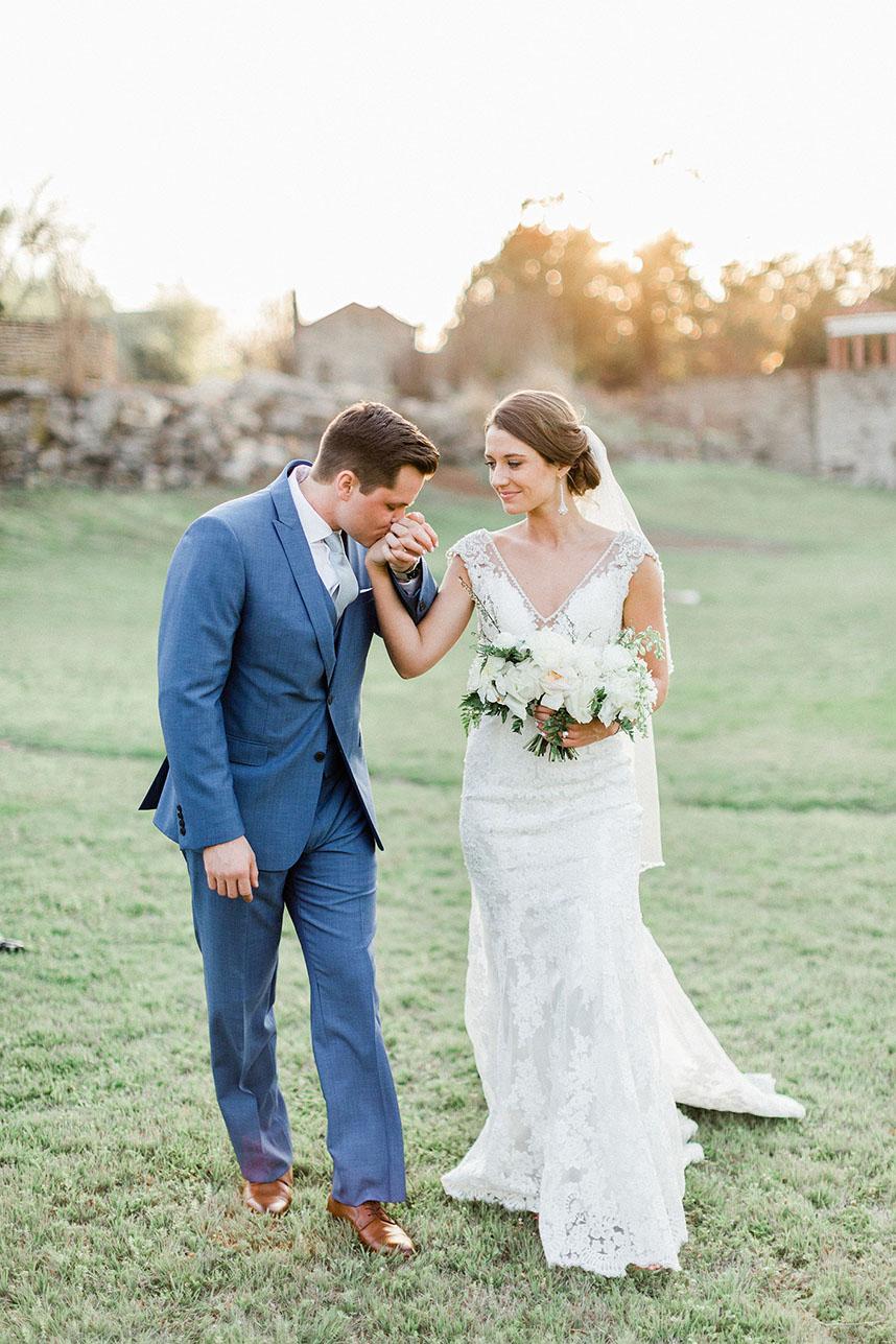 BOO_Wedding_CaitiSchultz_GarrettParr_1