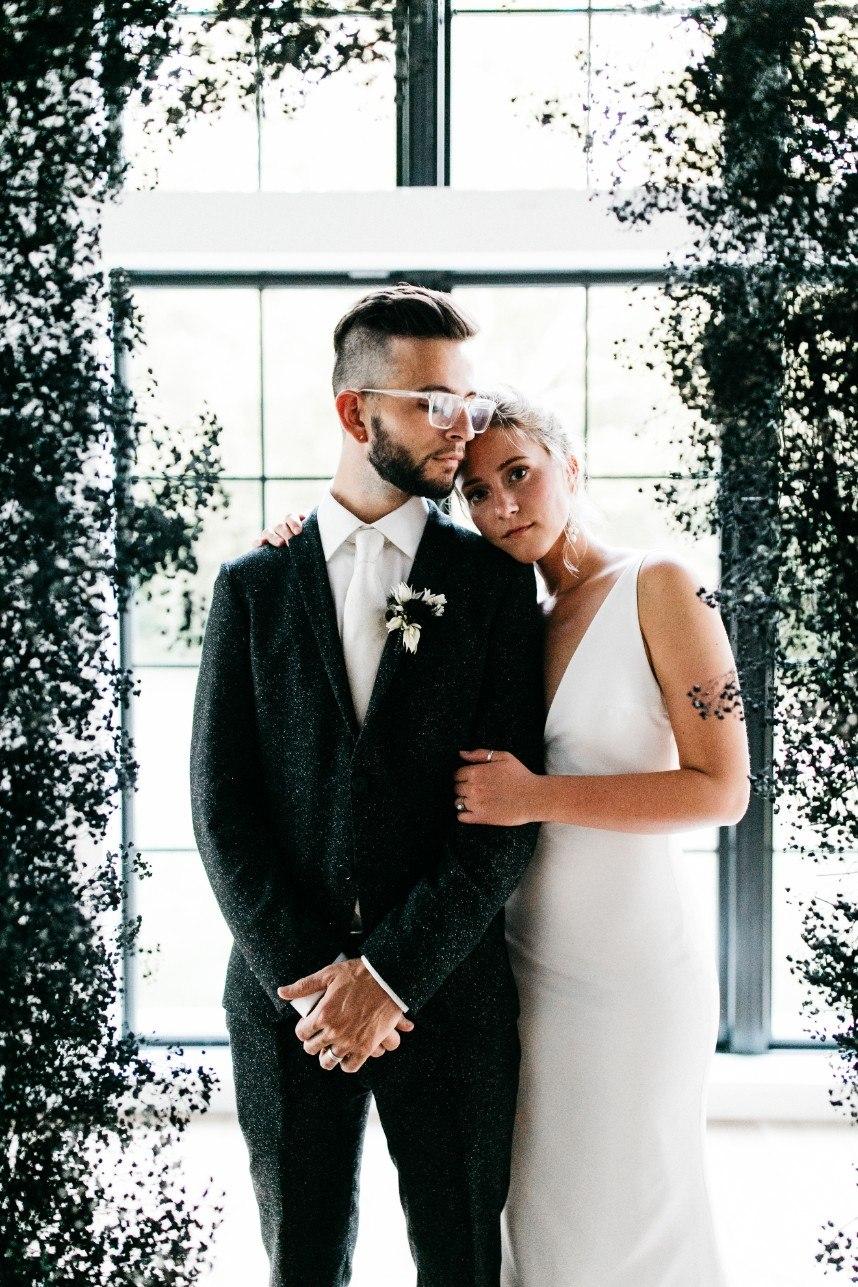 Moody Chic Black Barn Styled Shoot Oklahoma Wedding Photographer Kaily Watson Photography 01