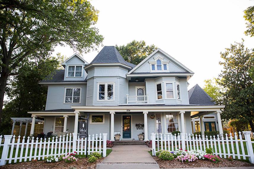 Willow Creek Mansion