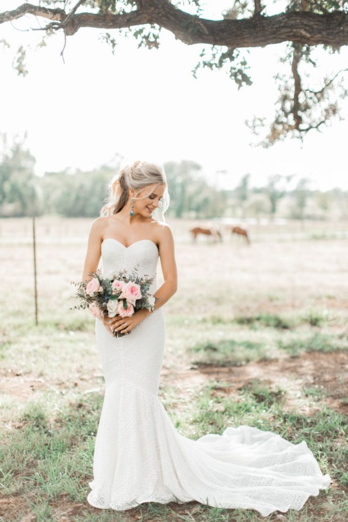 Expert Tips on How to Select Your Wedding Flowers