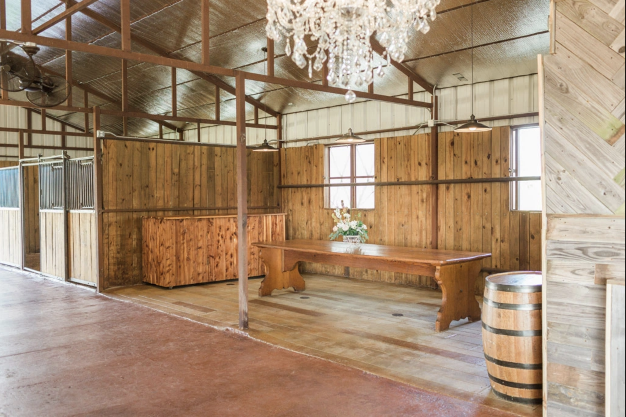 stables at washita farms wedding venue