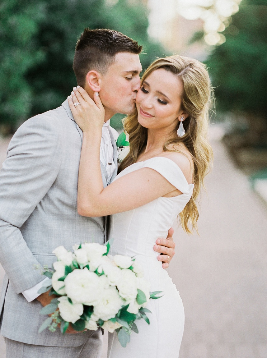 Social Distancing Style Weddings Can Take Place in Oklahoma as of May 1