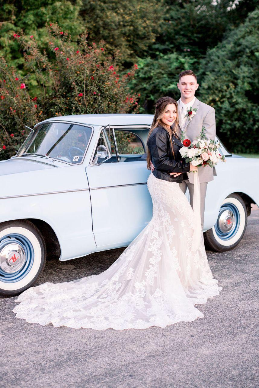 Retro Wedding Inspiration Oklahoma Wedding Venue Glass Chapel Oklahoma Wedding Photographer Ashton Marie Photography_12