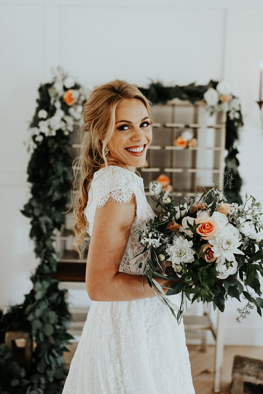 Southern Meets Industrial Chic Oklahoma Wedding Planner Grassroots Vintage Events and Rentals Oklahoma Wedding Photographer Chelsea Denise Photography 19