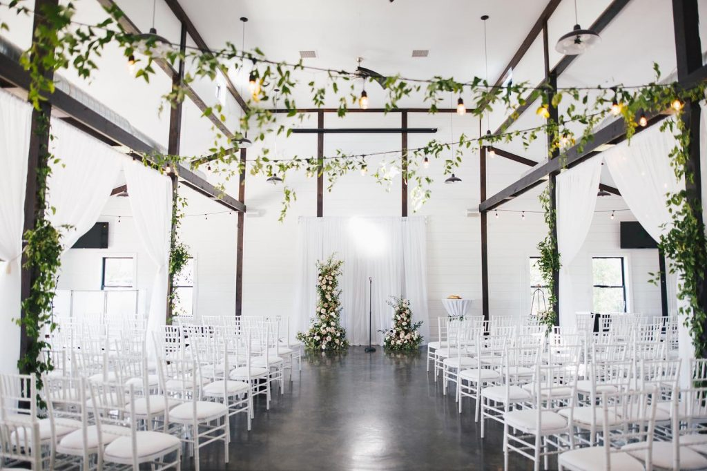 We love a good room flip! Modern farmhouse was the name of the game for Emily + Caleb's dreampointranch wedding!