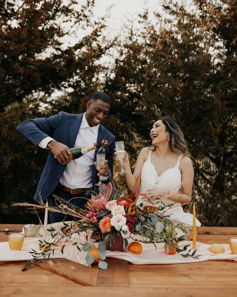 Held at the.heritage.ok, this wedding inspiration shoot has so many nostalgic, warm-toned bohemian feels. With touches of greenery and dried