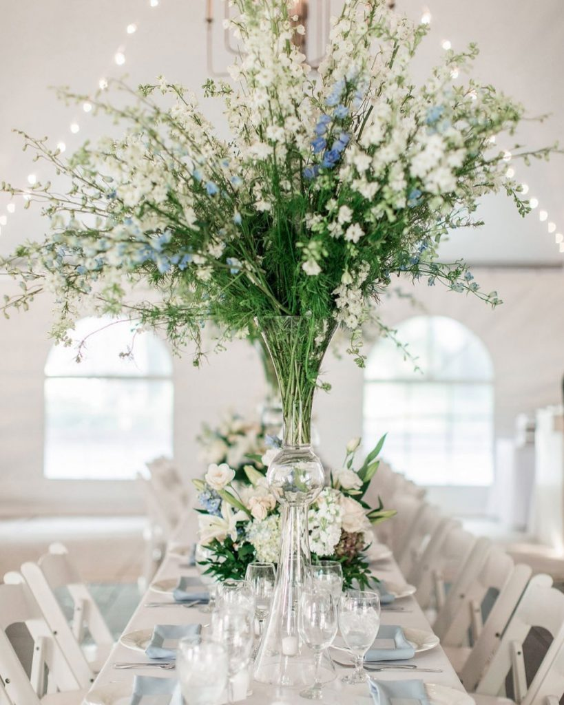 tonyfoss has done it again, folks! Nicolette & Tony's myraidgardens wedding was oh-so memorable with these towering blooms that scream