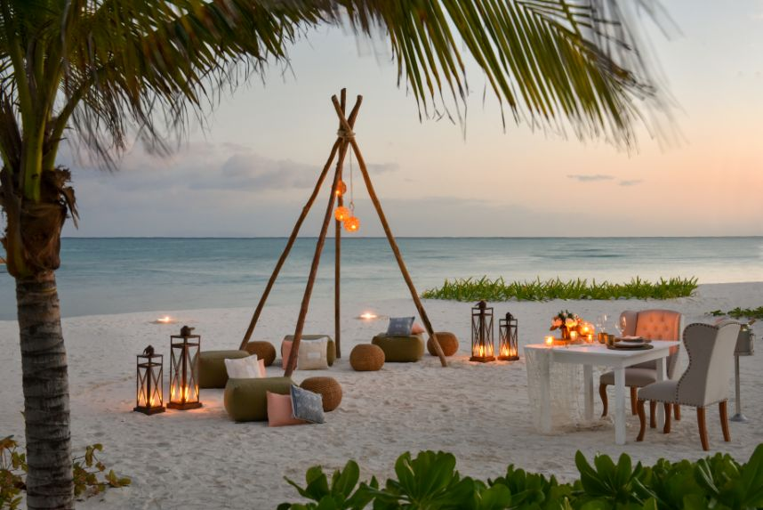 boho beach dinner honeymoon
