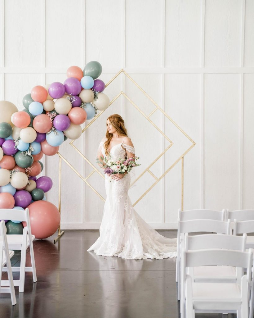 We love a little lavender and this styled shoot - on the blog today - showcases how to keep the