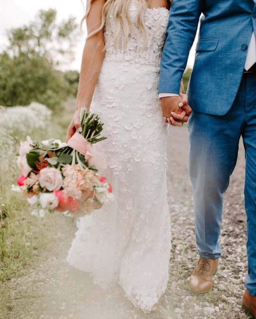 We can't wait to share even more from showthem_grace's dreamy dreampointranch wedding! From the subtle disco hints to the blushing