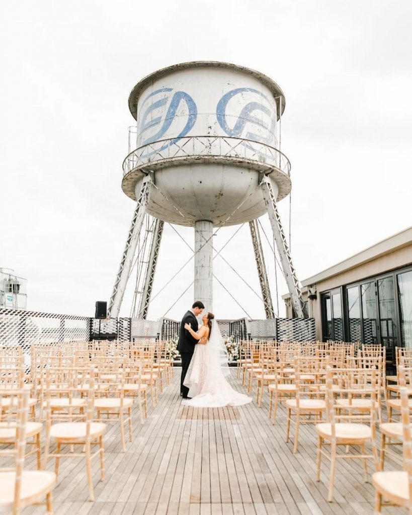 Mallory and Grady's big day at 21coklahomacity had so many gorgeous elements that we don't know where to look first!