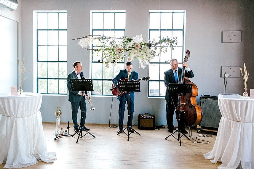 Steve with okcentertainment is here with expert tips on how to make your wedding music a success! Head to the