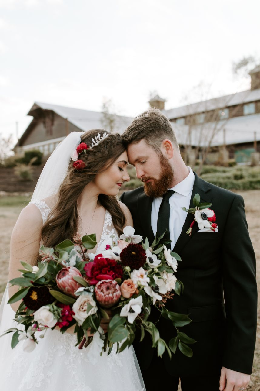 autumn floral bride and groom